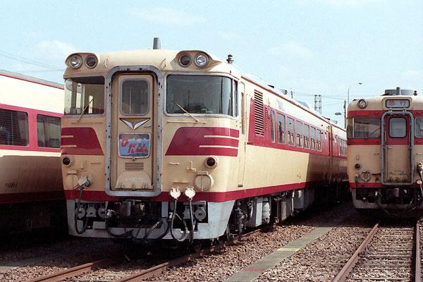 キハ82 73