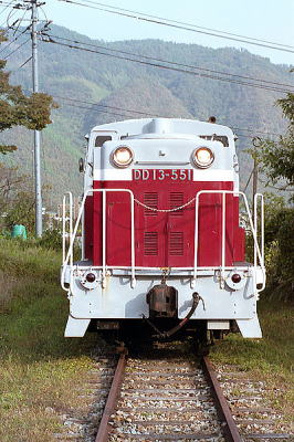 同和鉱業片上鉄道DD13-551
